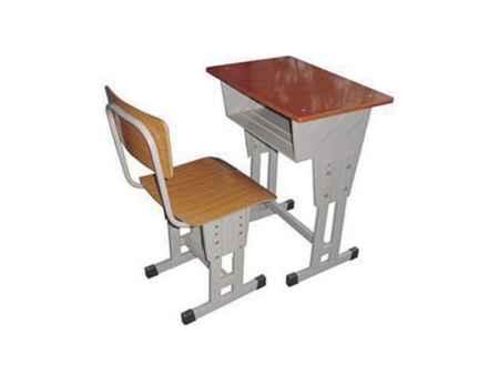 四川学生课桌椅供应商